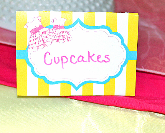 baby-sister-party-place-cards
