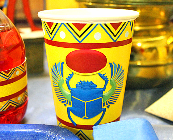 egyptian-party-cup-holder