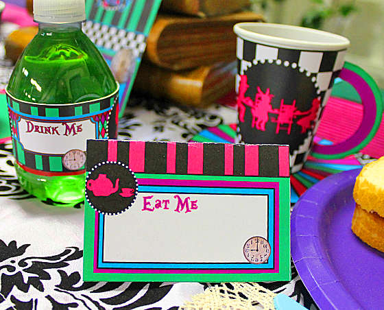 mad-hatter-place-cards-2