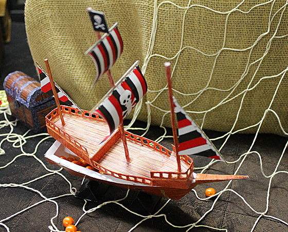 pirate-ship-treat-box-2